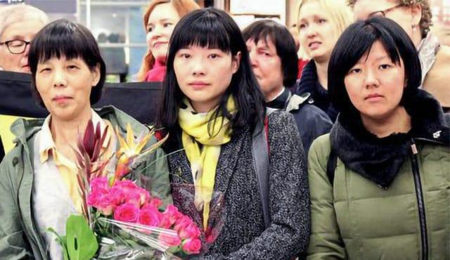 Chen Zhenping na zdjęciu z córką w Finlandii, 9 października 2015 r.